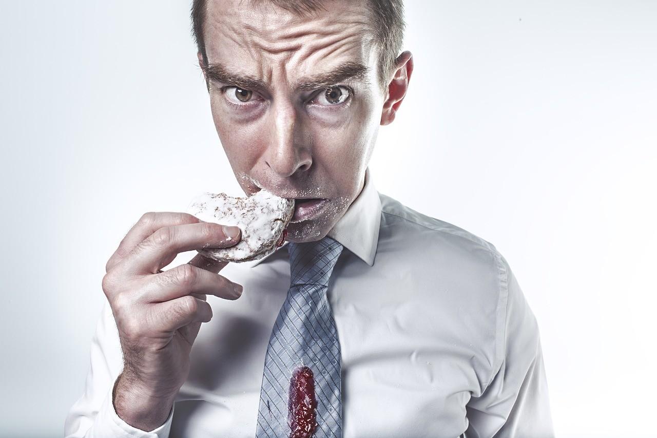 食べ方が汚いモテない男性