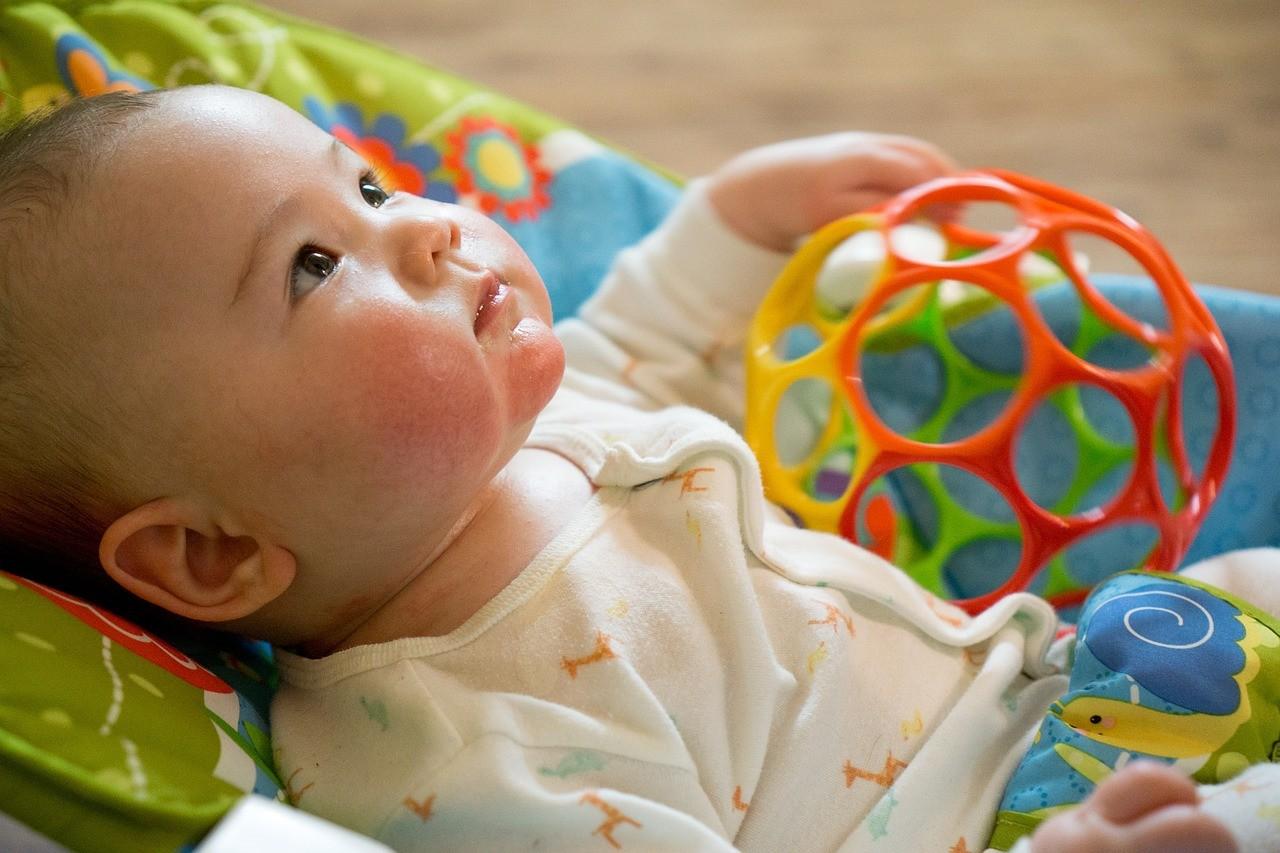 商社マンのデメリットは育児に協力できない
