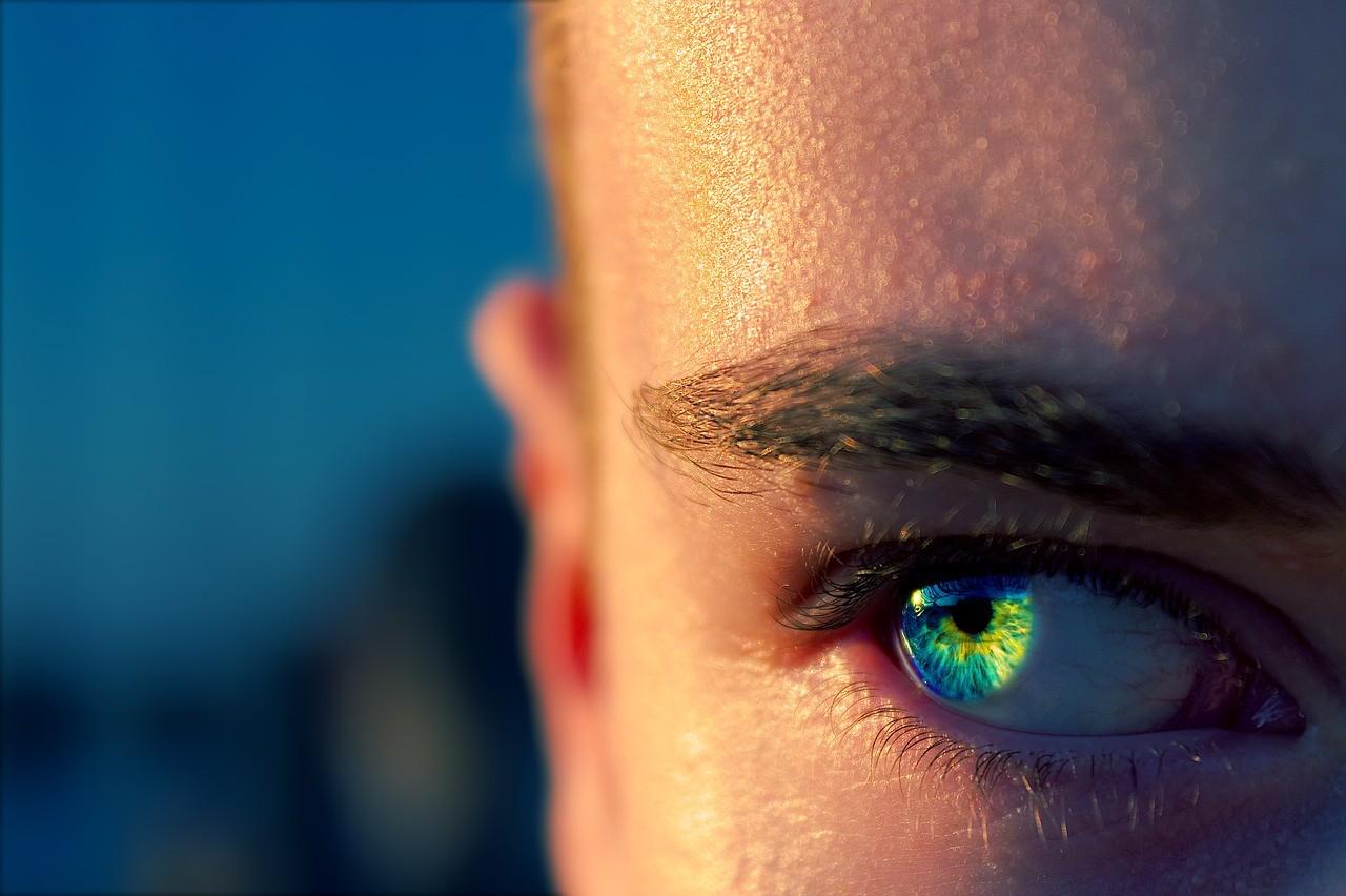 目が合う脈ありサイン