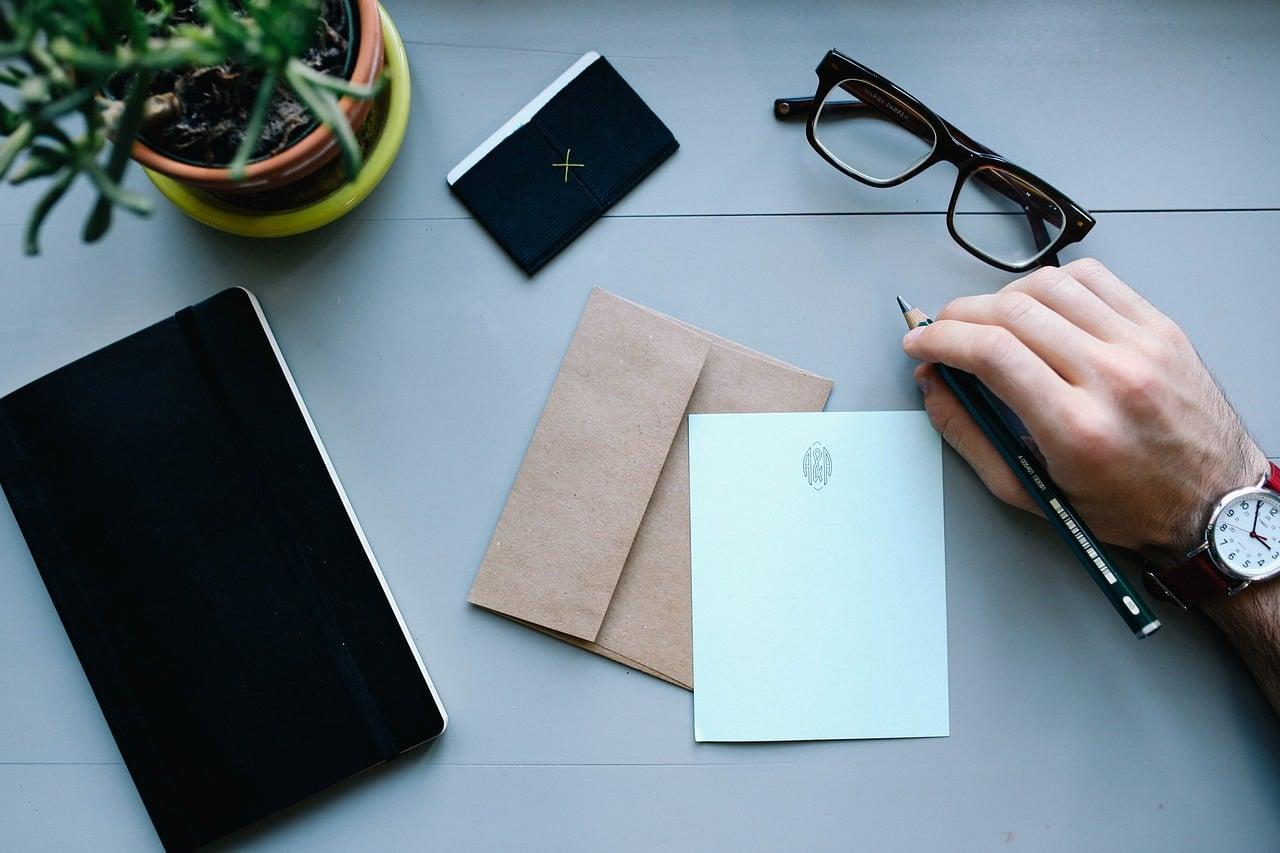 倦怠期を乗り越えるために手紙を書く